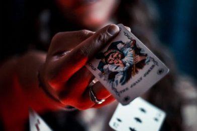 คาสิโน เล่นง่ายผ่านมือถือ สมัครรับเครดิตฟรี แจกสูตรเล่นเอาชนะ